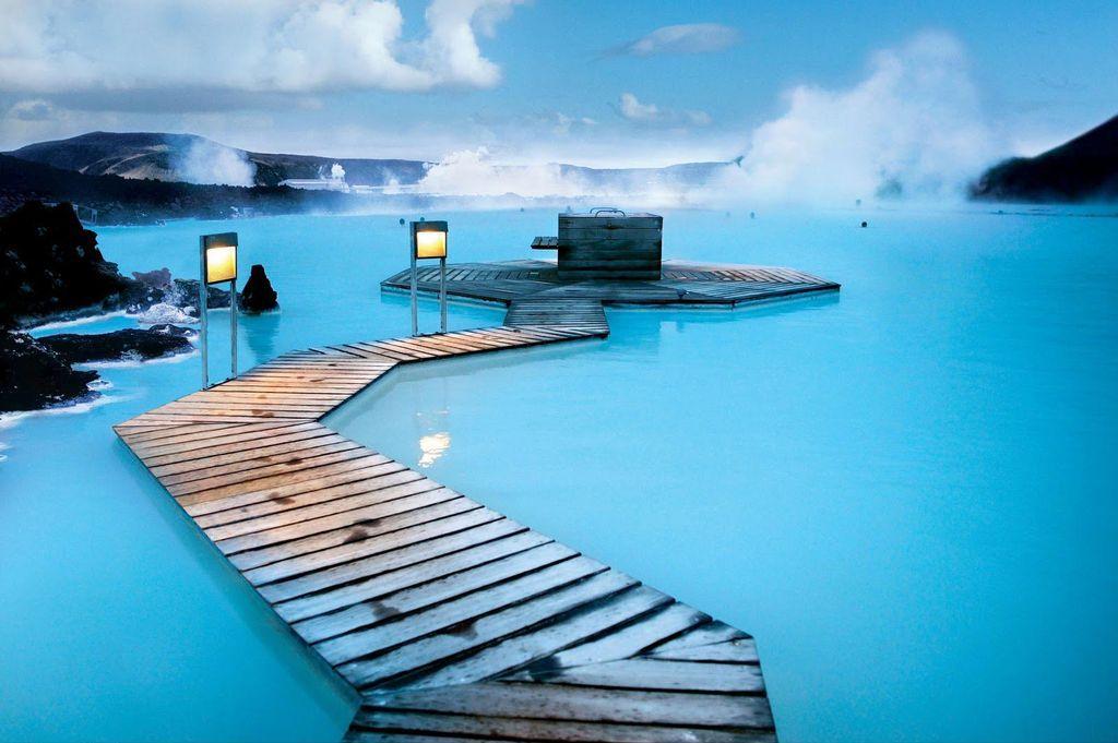 Геотермальная электростанция Голубой лагуны обеспечивает электроэнергией не только потребности собственного курорта.jpg