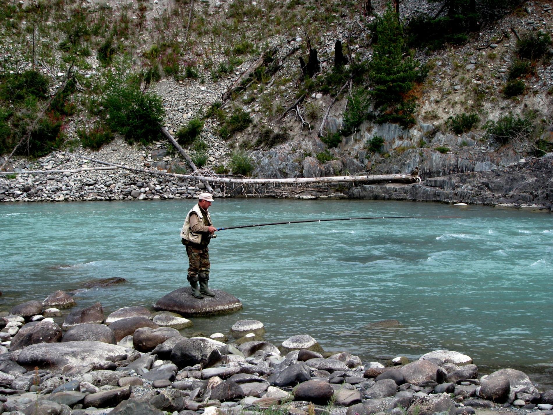Рыбалка на горных речках