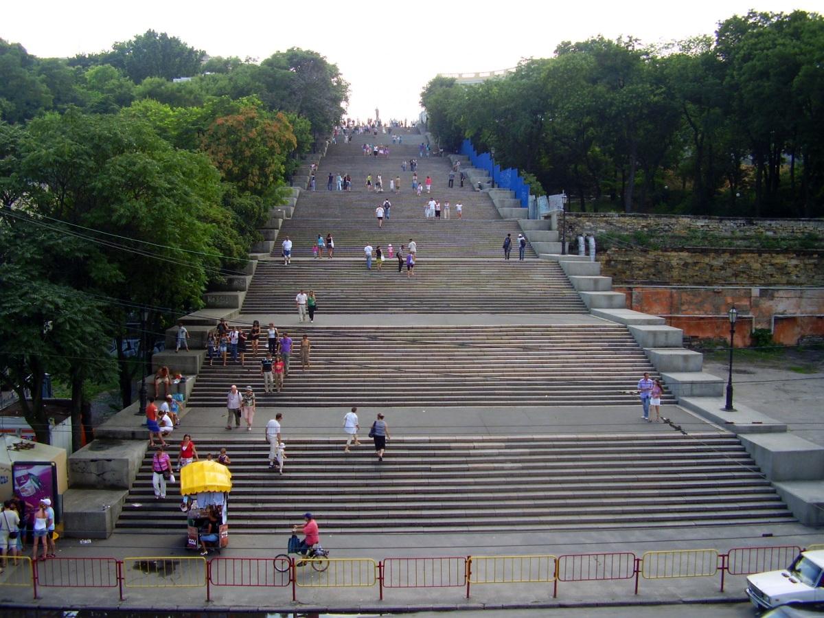 Потемкинская лестница, вид от Морского порта