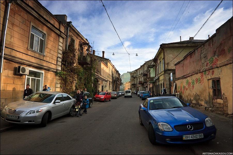 Улицы Одессы необычайно разнообразны: спокойно-исторические, составленные из фактурных домиков
