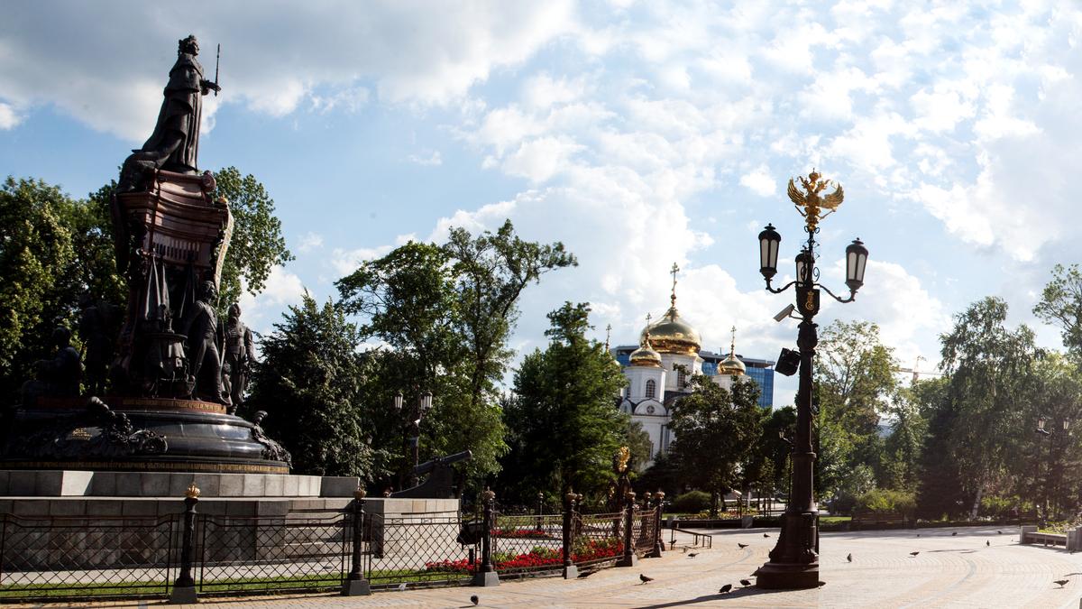 Памятник Екатерине Великой.jpg