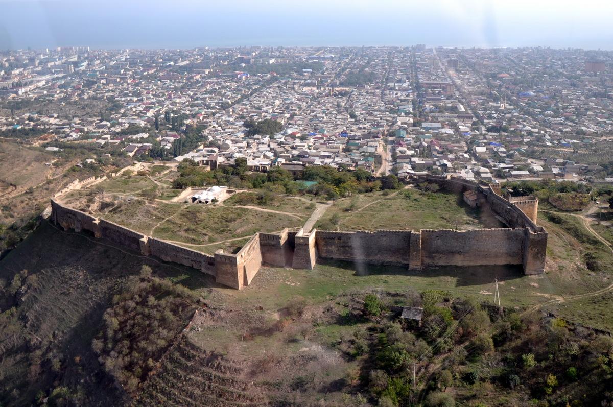 Крепость Нарын-Кала.jpg