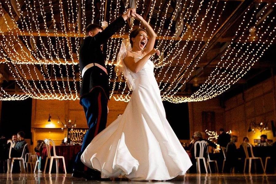 О свадебных танцах молодоженов: полезные советы